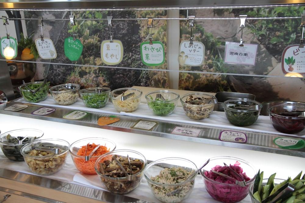 EM 웰니스 리조트 코스타비스타 오키나와 호텔 & 스파(EM Wellness Resort Costavista Okinawa Hotel & Spa) Hotel Image 51 - Food and Drink