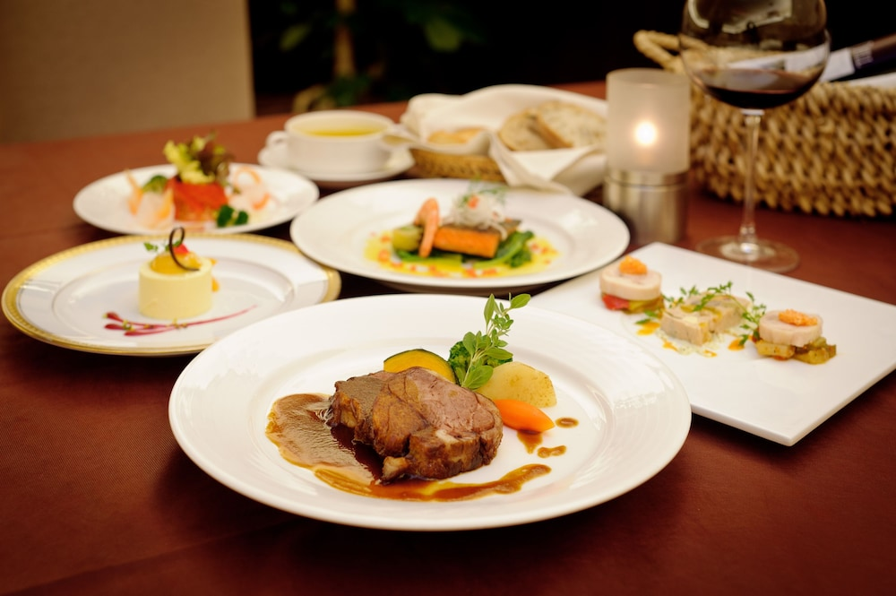 EM 웰니스 리조트 코스타비스타 오키나와 호텔 & 스파(EM Wellness Resort Costavista Okinawa Hotel & Spa) Hotel Image 41 - Food and Drink