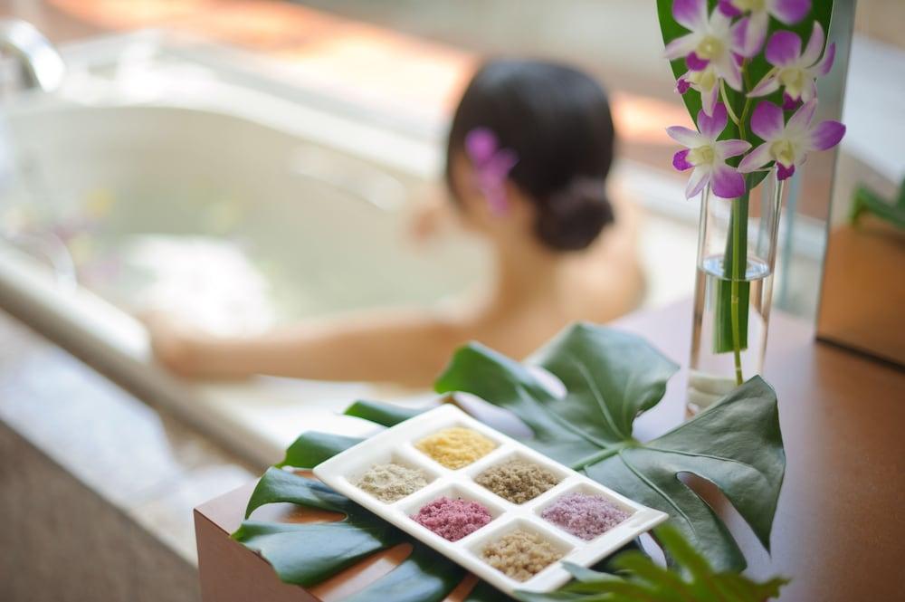 EM 웰니스 리조트 코스타비스타 오키나와 호텔 & 스파(EM Wellness Resort Costavista Okinawa Hotel & Spa) Hotel Image 21 - Treatment Room
