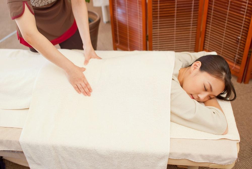 EM 웰니스 리조트 코스타비스타 오키나와 호텔 & 스파(EM Wellness Resort Costavista Okinawa Hotel & Spa) Hotel Image 24 - Massage