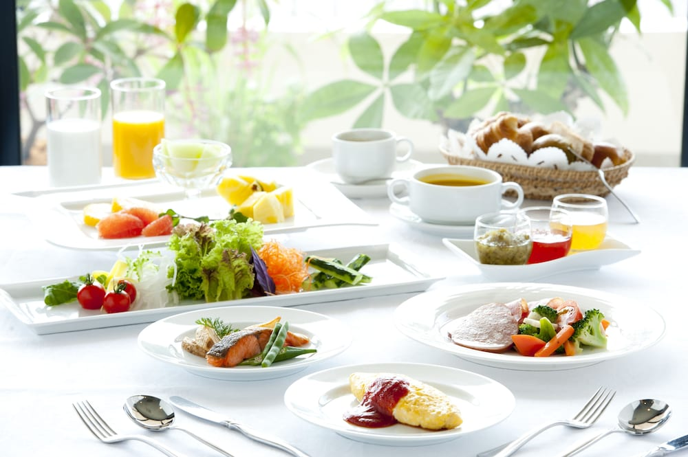 EM 웰니스 리조트 코스타비스타 오키나와 호텔 & 스파(EM Wellness Resort Costavista Okinawa Hotel & Spa) Hotel Image 47 - Food and Drink