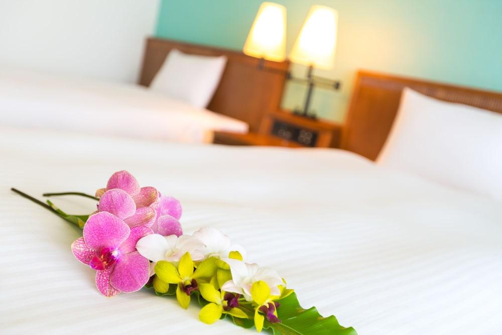 EM 웰니스 리조트 코스타비스타 오키나와 호텔 & 스파(EM Wellness Resort Costavista Okinawa Hotel & Spa) Hotel Image 3 - Guestroom