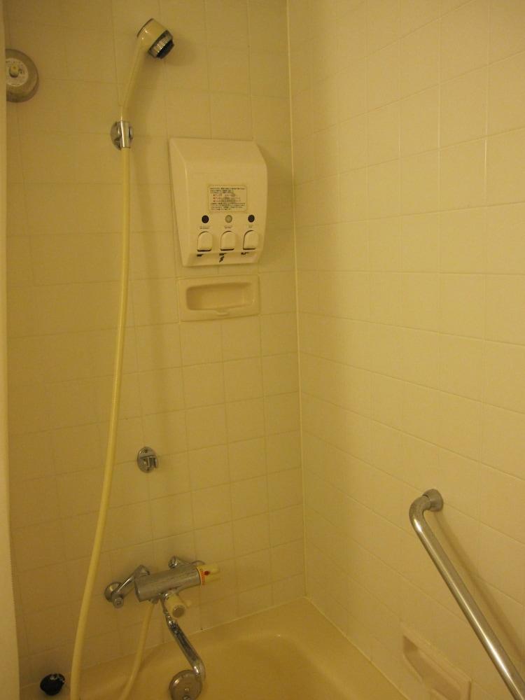 EM 웰니스 리조트 코스타비스타 오키나와 호텔 & 스파(EM Wellness Resort Costavista Okinawa Hotel & Spa) Hotel Image 10 - Bathroom