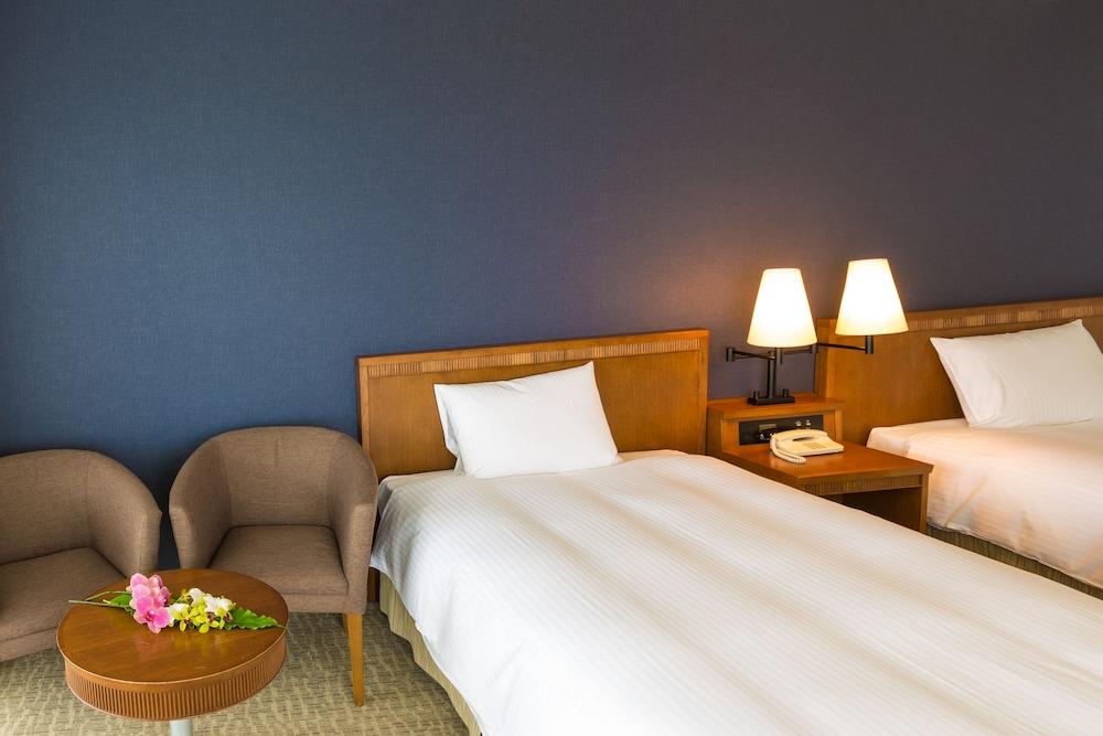 EM 웰니스 리조트 코스타비스타 오키나와 호텔 & 스파(EM Wellness Resort Costavista Okinawa Hotel & Spa) Hotel Image 7 - Guestroom