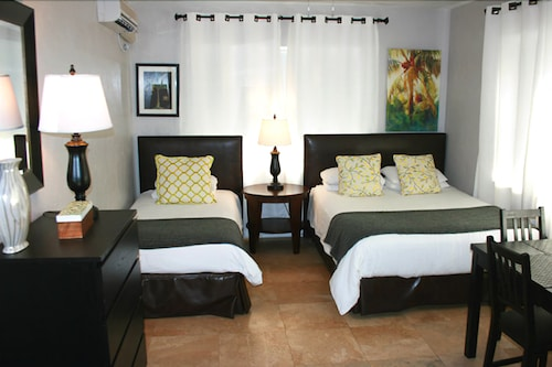 Hotel18, Miami-Dade
