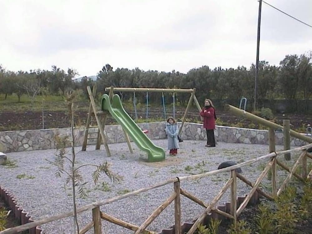 아그리투리스모 라 타르가 플로리오(Agriturismo La Targa Florio) Hotel Image 11 - Childrens Play Area - Outdoor