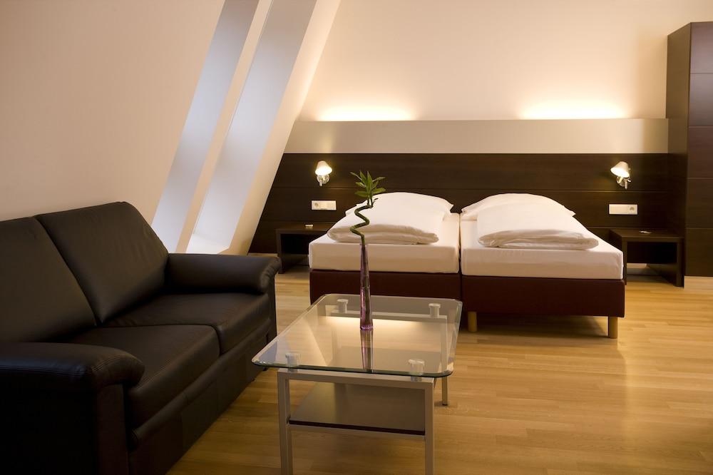 호텔 슈바르처 배르(Hotel Schwarzer Bär) Hotel Image 29 - 거실 공간