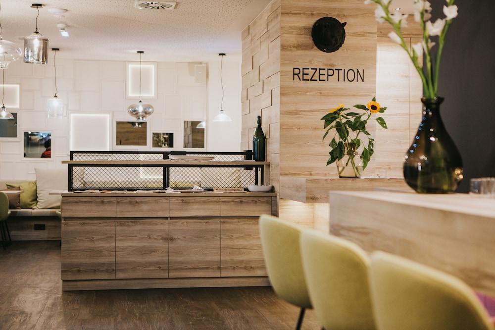 호텔 슈바르처 배르(Hotel Schwarzer Bär) Hotel Image 6 - 리셉션