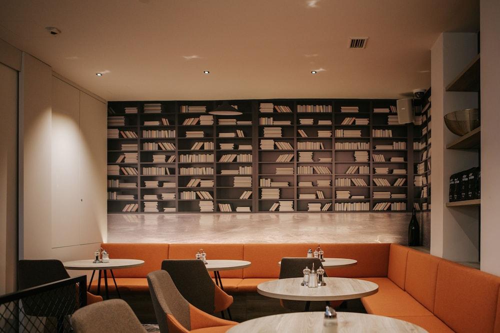 호텔 슈바르처 배르(Hotel Schwarzer Bär) Hotel Image 55 - 리셉션 홀