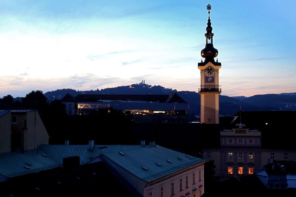 호텔 슈바르처 배르(Hotel Schwarzer Bär) Hotel Image 1 - 호텔에서의 전망