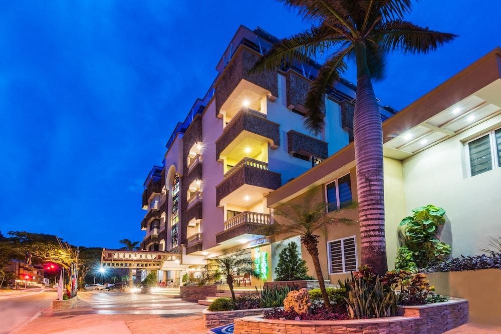 호텔 아메리칸 골프(Hotel American Golf) Hotel Image 55 - View from Hotel