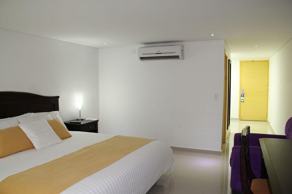 호텔 아메리칸 골프(Hotel American Golf) Hotel Image 7 - Guestroom