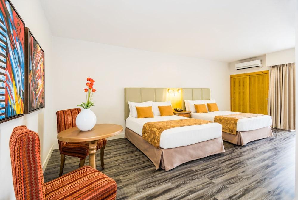 호텔 아메리칸 골프(Hotel American Golf) Hotel Image 9 - Guestroom