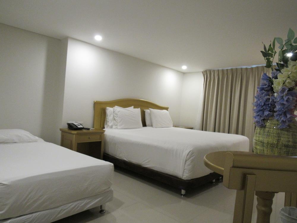 호텔 아메리칸 골프(Hotel American Golf) Hotel Image 22 - Guestroom