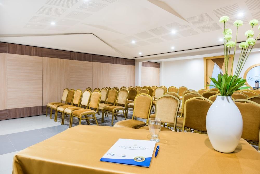 호텔 아메리칸 골프(Hotel American Golf) Hotel Image 50 - Meeting Facility