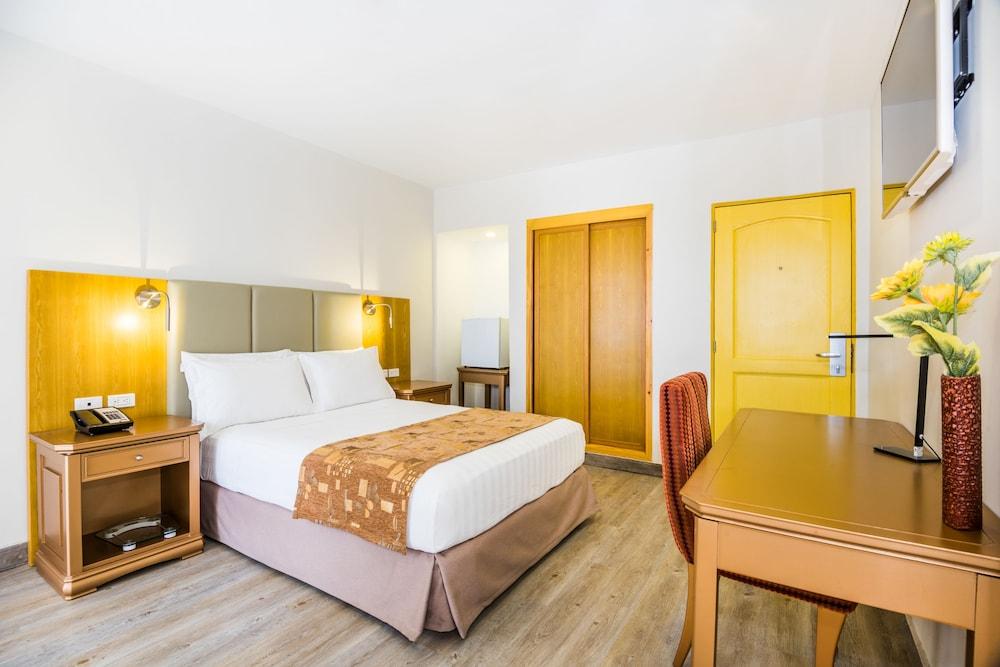호텔 아메리칸 골프(Hotel American Golf) Hotel Image 12 - Guestroom
