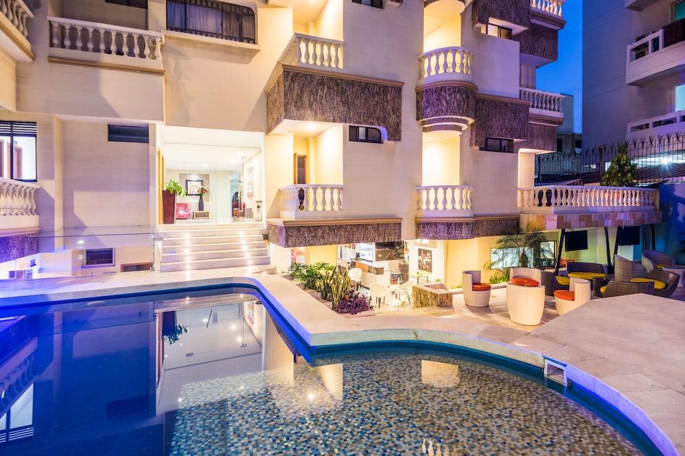 호텔 아메리칸 골프(Hotel American Golf) Hotel Image 35 - Outdoor Pool