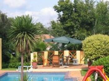 스트라트헤이븐 게스트하우스(Strathavon Guest House) Hotel Image 22 - Outdoor Pool