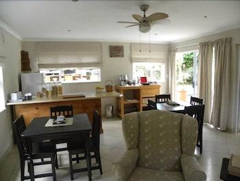스트라트헤이븐 게스트하우스(Strathavon Guest House) Hotel Image 10 - In-Room Dining