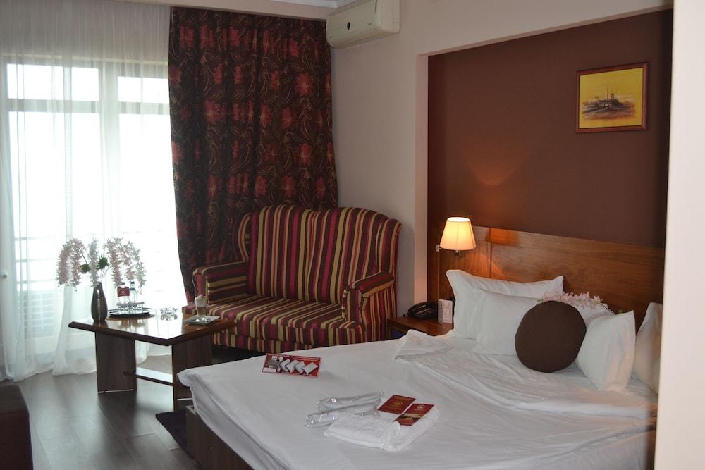 호텔 포에니시아 익스프레스(Hotel Phoenicia Express) Hotel Image 26 - Guestroom