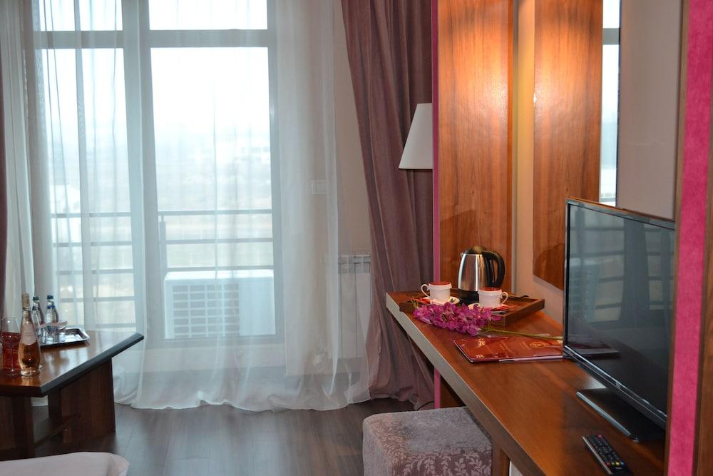 호텔 포에니시아 익스프레스(Hotel Phoenicia Express) Hotel Image 17 - Guestroom