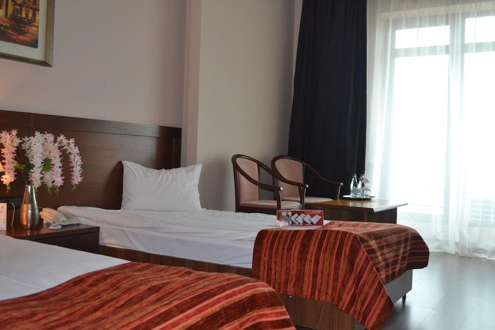 호텔 포에니시아 익스프레스(Hotel Phoenicia Express) Hotel Image 22 - Guestroom