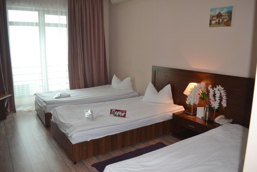 호텔 포에니시아 익스프레스(Hotel Phoenicia Express) Hotel Image 18 - Guestroom