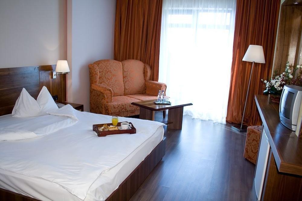 호텔 포에니시아 익스프레스(Hotel Phoenicia Express) Hotel Image 16 - Guestroom