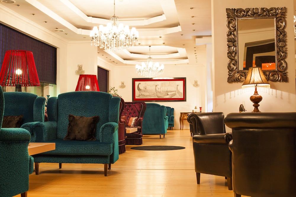 호텔 포에니시아 익스프레스(Hotel Phoenicia Express) Hotel Image 2 - Lobby