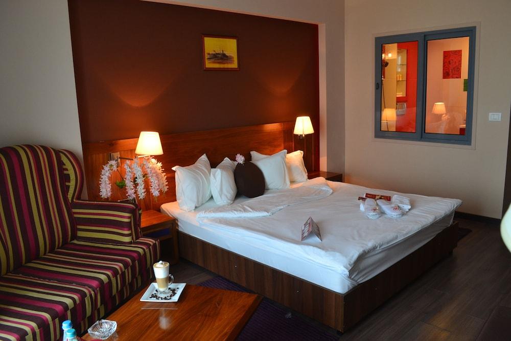 호텔 포에니시아 익스프레스(Hotel Phoenicia Express) Hotel Image 24 - Guestroom