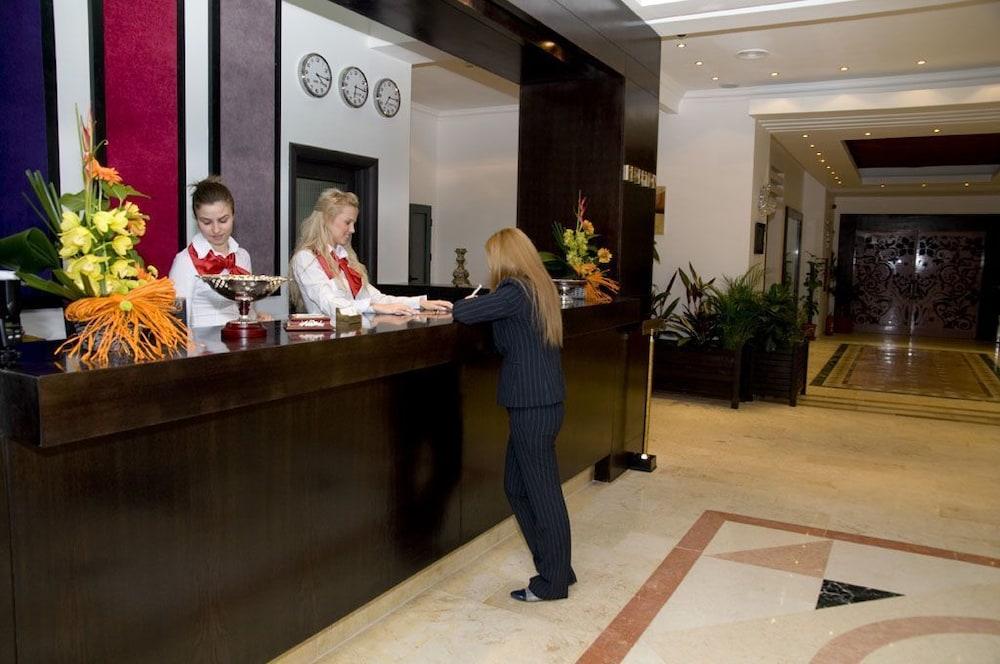 호텔 포에니시아 익스프레스(Hotel Phoenicia Express) Hotel Image 6 - Reception