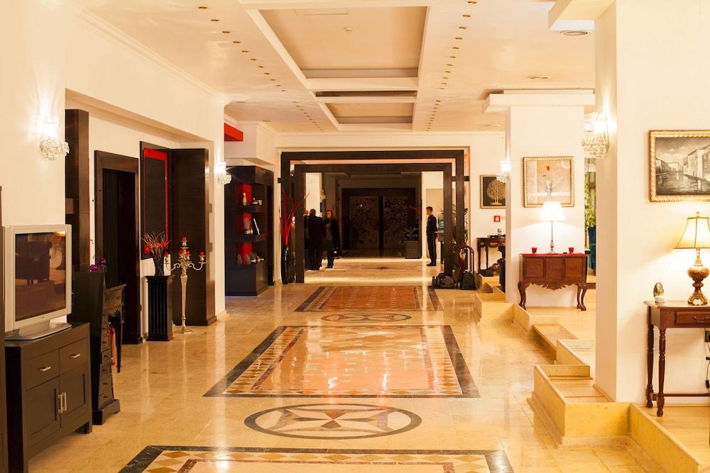 호텔 포에니시아 익스프레스(Hotel Phoenicia Express) Hotel Image 3 - Lobby