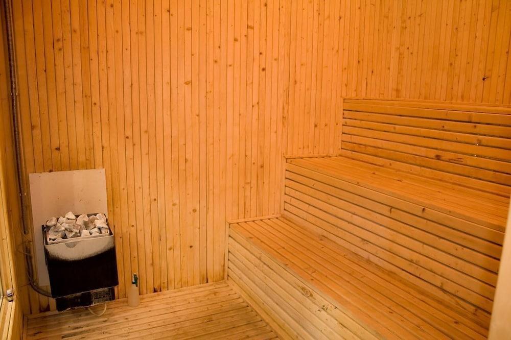 호텔 포에니시아 익스프레스(Hotel Phoenicia Express) Hotel Image 44 - Sauna