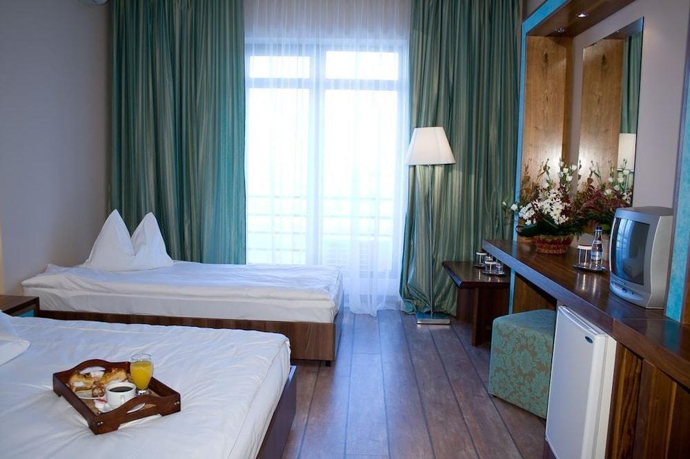 호텔 포에니시아 익스프레스(Hotel Phoenicia Express) Hotel Image 11 - Guestroom