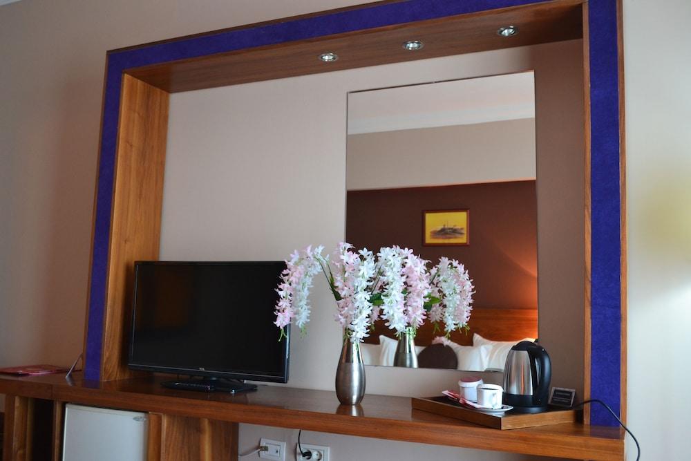 호텔 포에니시아 익스프레스(Hotel Phoenicia Express) Hotel Image 70 - In-Room Coffee