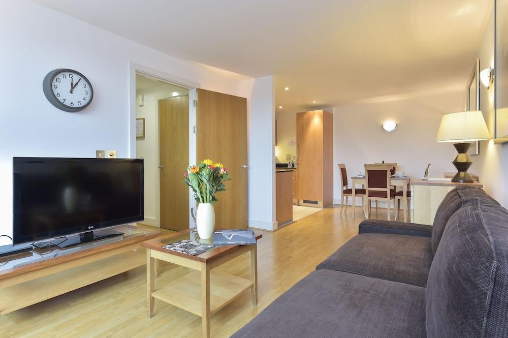 브리지 아파트먼츠(Bridge Apartments) Hotel Image 10 - Guestroom