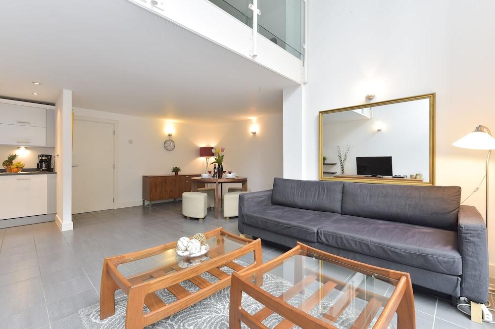 브리지 아파트먼츠(Bridge Apartments) Hotel Image 17 - Guestroom