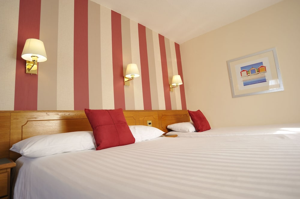 더 클리프스 호텔 블랙풀(The Cliffs Hotel Blackpool) Hotel Image 6 - Guestroom