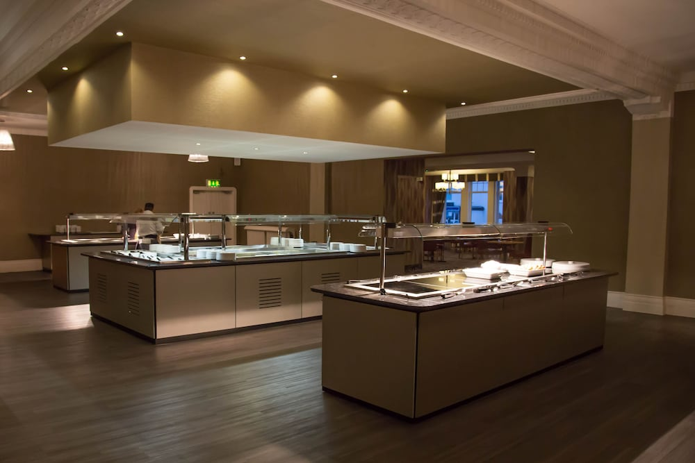 더 클리프스 호텔 블랙풀(The Cliffs Hotel Blackpool) Hotel Image 41 - Buffet