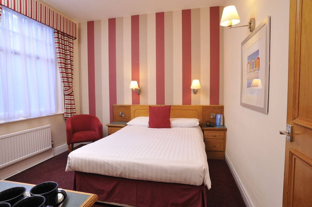 더 클리프스 호텔 블랙풀(The Cliffs Hotel Blackpool) Hotel Image 9 - Guestroom