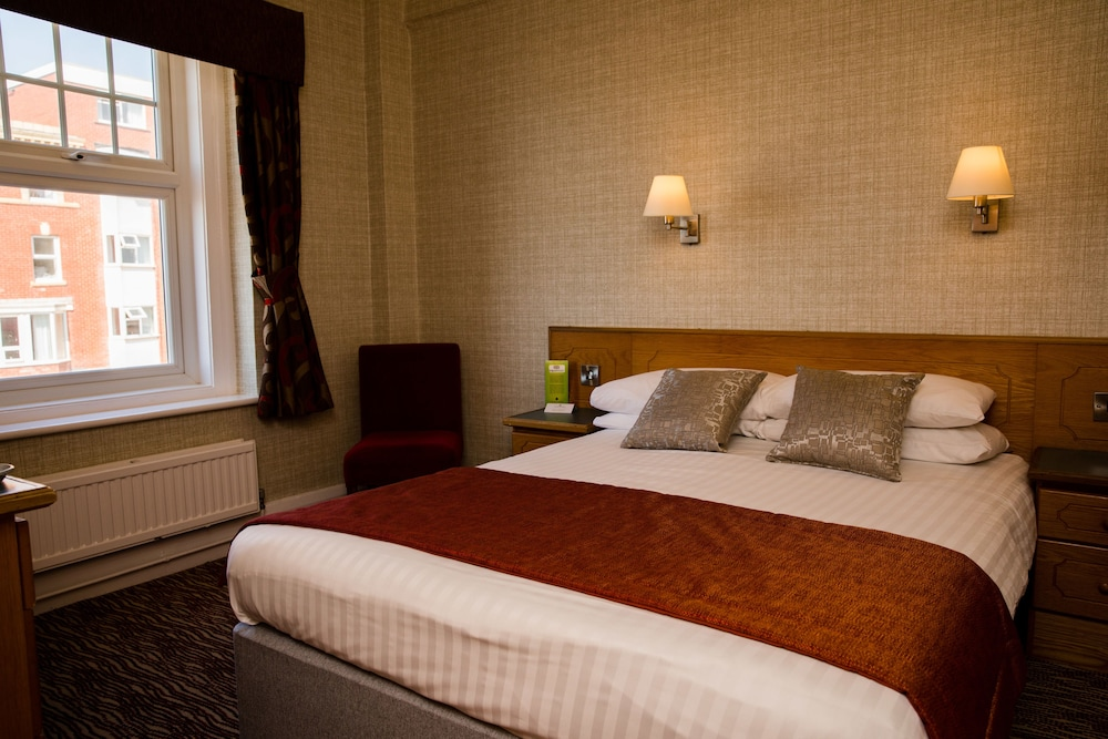 더 클리프스 호텔 블랙풀(The Cliffs Hotel Blackpool) Hotel Image 12 - Guestroom