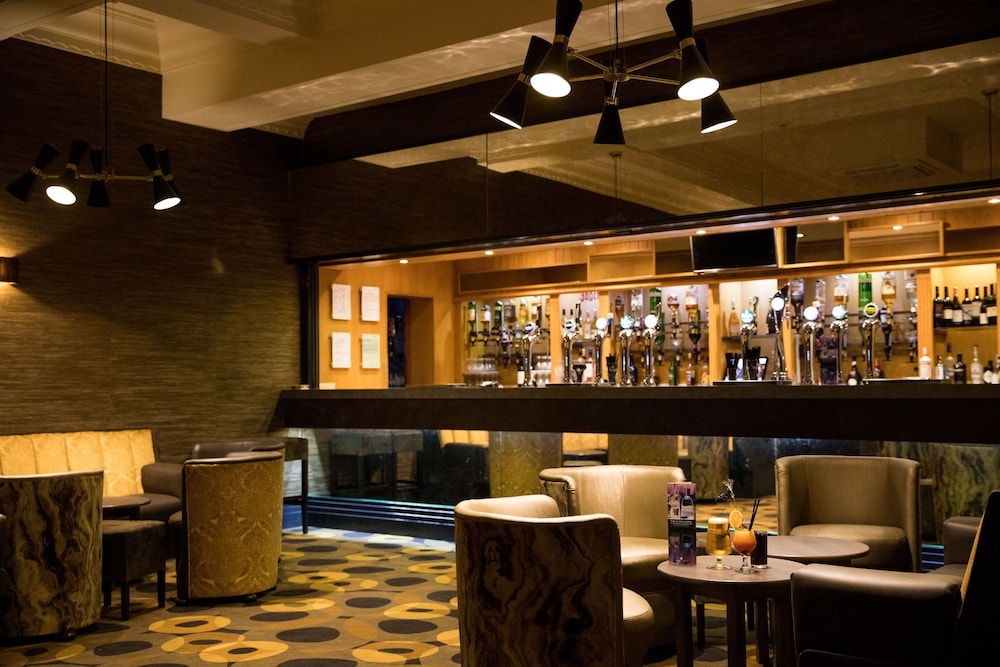 더 클리프스 호텔 블랙풀(The Cliffs Hotel Blackpool) Hotel Image 63 - Hotel Bar