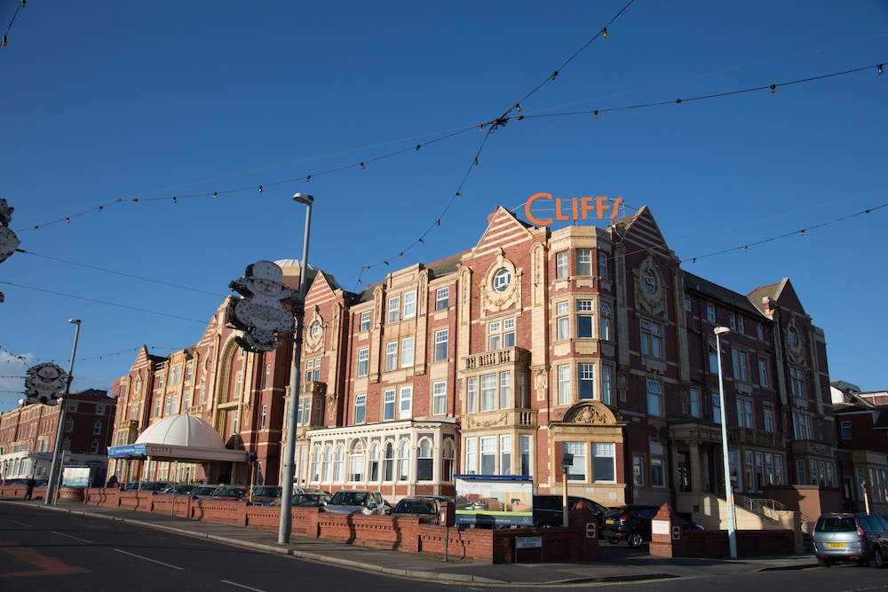 더 클리프스 호텔 블랙풀(The Cliffs Hotel Blackpool) Hotel Image 0 - Featured Image