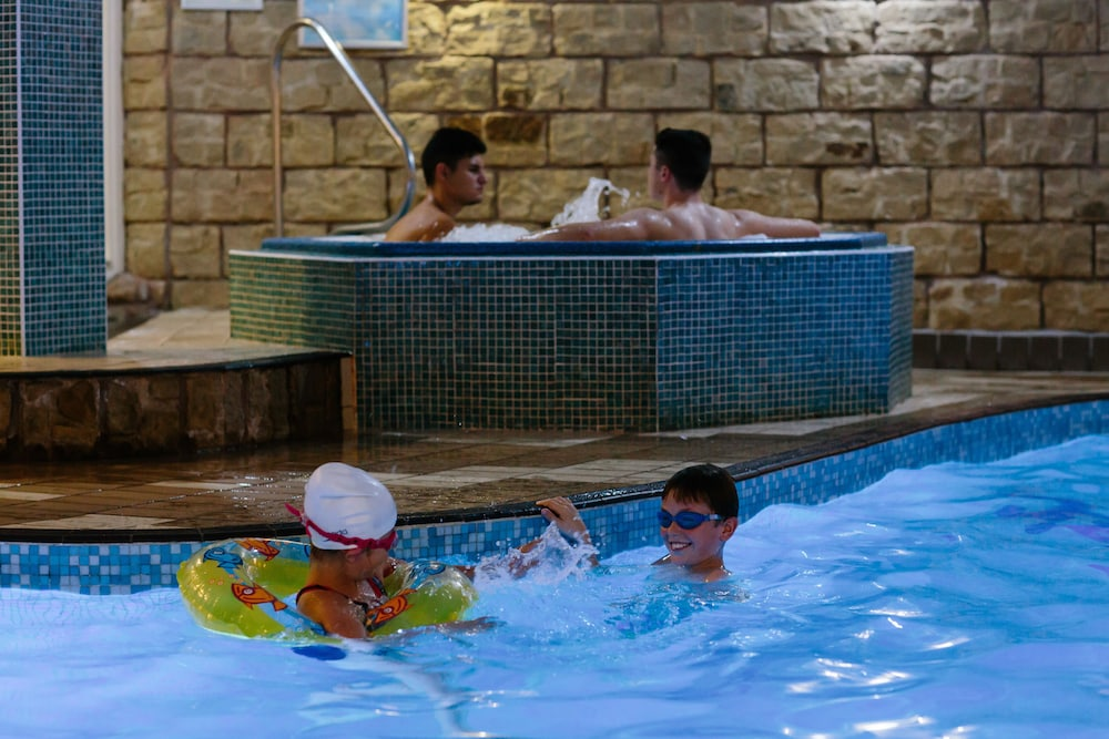 더 클리프스 호텔 블랙풀(The Cliffs Hotel Blackpool) Hotel Image 24 - Indoor Pool