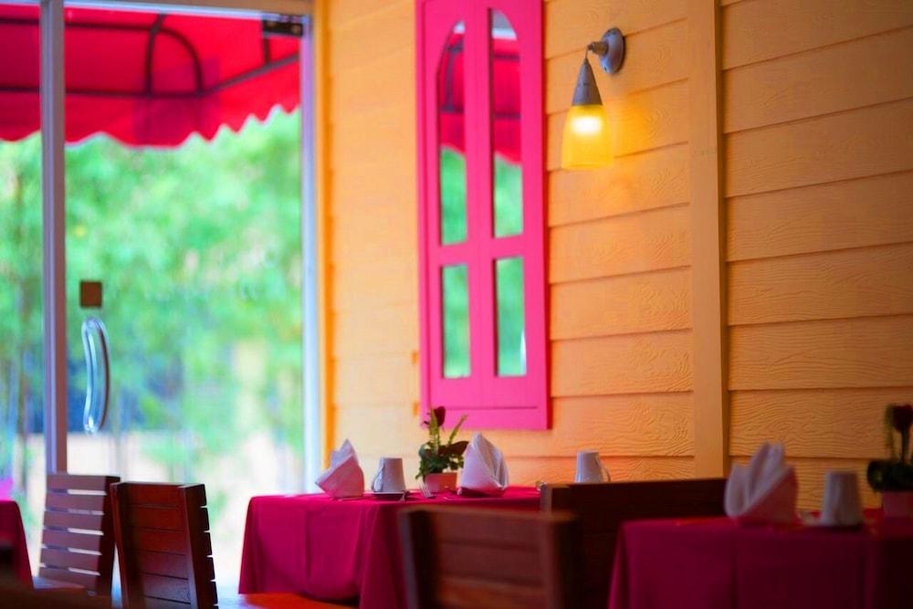 심플리 리조트 바이 메타디(Simply Resort By Metadee) Hotel Image 51 - Breakfast Area
