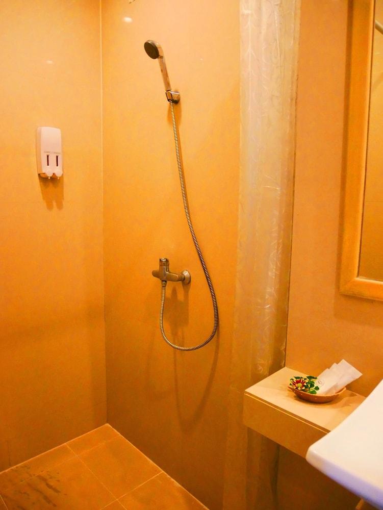심플리 리조트 바이 메타디(Simply Resort By Metadee) Hotel Image 28 - Bathroom