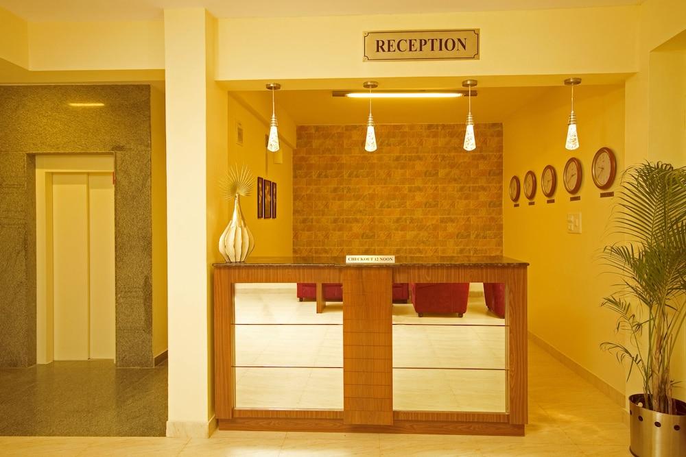 멜스 리젠시 호텔(Mels Regency Hotel) Hotel Image 7 - Reception