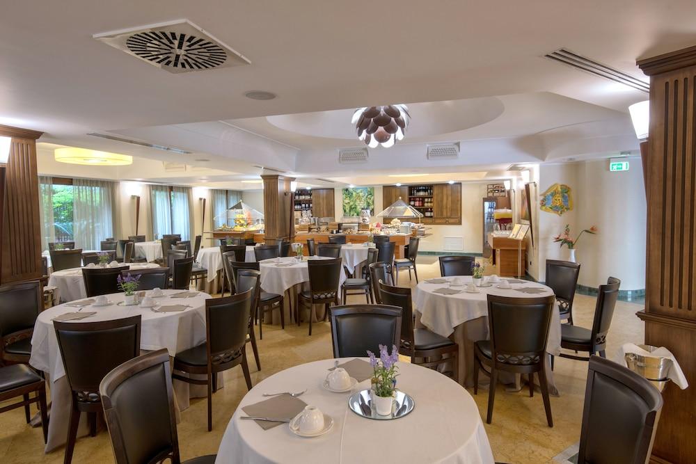 아르테미스 호텔(Artemis Hotel) Hotel Image 35 - Breakfast Area