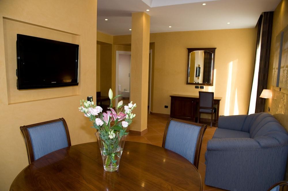 아르테미스 호텔(Artemis Hotel) Hotel Image 18 - Living Area