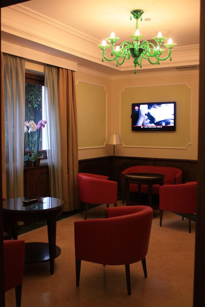 아르테미스 호텔(Artemis Hotel) Hotel Image 4 - Lobby Lounge
